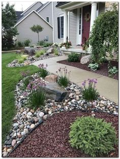 37 Front Yard and Backyard Landscaping Ideas You Need To See Vorgarten und Hinterhof Landschaftsbau- Home Landscaping, Landscaping With Rocks, Front Yard Landscaping, Landscaping Design, River Rock Landscaping, Courtyard Landscaping, Decorative Rock Landscaping, Curb Appeal Landscaping, Hard Landscaping Ideas