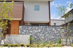 ガビオン、自然石を大胆に使った外構です。   岐阜のエクステリア専門店「東松エクステリア」
