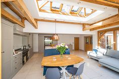 Julius Bahn specialises in building the finest oak-framed orangeries, perfect for both traditional and contemporary, kitchen and home extensions. Kitchen Diner Extension, Extension Ideas, Folding Doors, Indoor Outdoor Living, House Extensions, Design Consultant, Sunroom, Buildings, New Homes