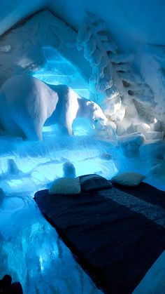 One of the rooms at the Hotel de Glace, Ice Hotel in Quebec www.casualtravelist.com