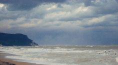 Mare in tempesta nella Riviera Del Conero
