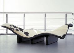 Modern Contemporary Lounge Sofas Design With Waves Shape Contemporary Lounge, Contemporary Living Room Furniture, Modern Furniture, Furniture Design, Modern Living, Lounge Sofa, Lounge Furniture, Sofa Design, White Lounge