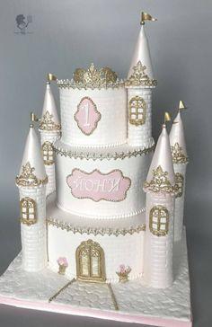 Princess Castle Cake - cake by Antonia Lazarova - CakesDecor Royal Princess Birthday, Princess Birthday Party Decorations, 1st Birthday Party For Girls, Princess Castle, 4th Birthday, Fairy Castle Cake, Frozen Castle Cake, Castle Birthday Cakes, Castle Cakes