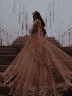 Desi Wedding Dresses, Asian Wedding Dress, Bridal Dresses, Indian Fashion Dresses, Dress Indian Style, Pakistani Outfits, Indian Outfits, Pretty Dresses, Beautiful Dresses