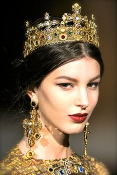 chiffonandribbons: Dolce & Gabbana F/W 2013 #bijoux #rosto #cor dourado.