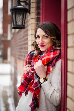 Love this red scarf! Fashion blog shoot for Chicago blogger http://amomentofmadness.com/2015/01/blanket-scarf/