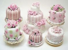 Absolutely adorable cakes.
