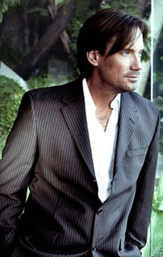 Kevin Sorbo - doesn't hurt that he's beautiful.