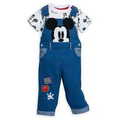Your little mouseketeer is sure to look truly adorable in our Mickey Mouse Dungaree set! It features denim dungarees with appliqué Mickey artwork, and a short-sleeved body suit with an all-over sketch-style print. Mickey Mouse Images, Disney Mickey Mouse, Disney Baby Clothes, Baby Disney, Baby Boy Fashion, Kids Fashion, Baby Boy Outfits, Kids Outfits, Mickey Mouse Nursery