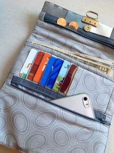Seat Belt Tri-Fold Wallet Sewing Pattern from Cozy Nest Designs Wallet Sewing Pattern, Sewing Patterns, Sewing Ideas, Sewing Projects, Tote Pattern, Sew Wallet, Crossover Bags, Nest Design, Wallet Tutorial