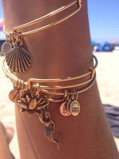 Adorable shell mermaid beach bangles