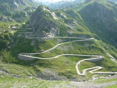 San Bernardino Pass, Swiss Alps this is simply gorgeous! San Bernardino Pass, Places To Travel, Places To Go, Dangerous Roads, Mountain Pass, Beautiful Roads, Motorcycle Travel, Motorcycle Touring, Adventure Holiday