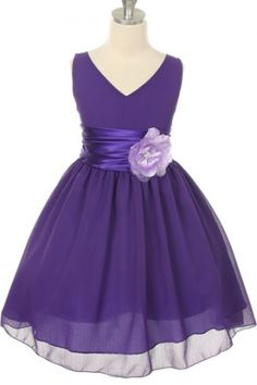 It's dresses like this that make it so much fun to sew for little girls! Really now cute:)