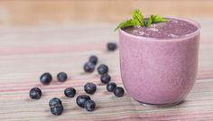 Breakfast Smoothies are perfect year round. Not only are they filling and easy-to-make they are also make for a healthy and delicious breakfast. Smoothie Recipes For Kids, Healthy Breakfast Smoothies, Easy Smoothies, Healthy Foods To Eat, Healthy Recipes, Picky Eaters Kids, Whole Foods Market, Food Inspiration, Whole Food Recipes