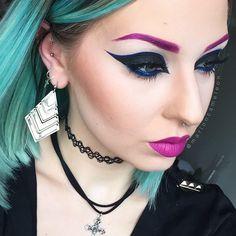 @lasplashcosmetics Alice (brows & lips) || @regalrose septum || @effer_vescence choker || @opvlashes Brushes