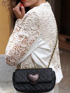 moschino cheap and chic heart rafia small bag   fashion blogger, fashion blog Irene's closet www.ireneccloset.com