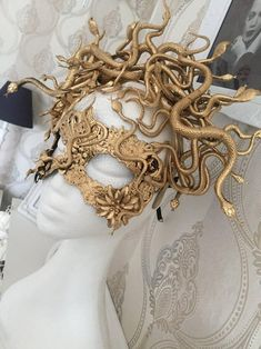 ON ORDER - Medusa mask - fantasy mask, snake mask, medusa costume, cosplay costume, snake mask Scary Couples Halloween Costumes, Halloween Outfits, Disney Halloween, Costume Meduse, Cosplay, Fascinator, Halloween Kleidung, Maquillage Halloween, Masks Art