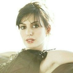 Picture of Anne Hathaway Anne Hathaway Style, Anne Hathaway Photos, Brunette Actresses, Hot Actresses, Celebrity Gossip, Celebrity Crush, Celebrity Women, Beautiful Brown Eyes, You're Beautiful