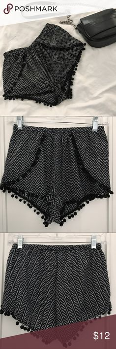 Fun Festival Shorts | Bik Bok Norway This is a statement piece in your wardrobe! It's the cutest shorts for the summer. Use it at a festival or on the beach. Very elastic! :) Bik Bok Shorts