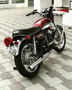 Found on Bing from www.pinterest.com Retro Motorcycle, Japanese Motorcycle, Motorcycle Design, Motorcycle Tips, Yamaha Rd 350, Yamaha Cafe Racer, Motos Yamaha, Yamaha Motorcycles, Scrambler