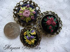 Марина Ленченко Jewelry Art, Jewelry Necklaces, Ribbon, Brooch, Creative, Crafts, Stitches, Embroidery, Projects