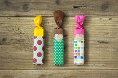 手のひらサイズのチョコレートバーを『オリガミオリガミ』と『うす紙』を組み合わせて包みました。つなぎ目を『ロールシール』のクラフトのハートのシールで留めているところがポイント。 #chotto #オリガミオリガミ #うす紙 #ロールシール #バレンタインデー #お菓子ラッピング #origamiorigami #thinpaper #rollsticker #valentinesday #valentinesdecor #wrapping