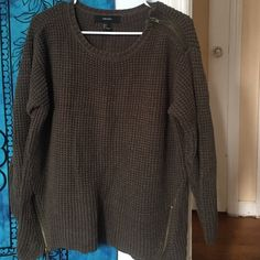 Green sweater Quarter sleeve thick dark green knit sweater Forever 21 Sweaters Crew & Scoop Necks