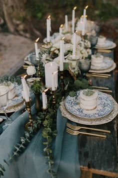 Seaside wedding tabl