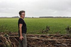 """Natuurkampeerterrein Wildemansheerd  Salome vertelt: """"De oude boerderij ligt centraal tussen de camping met 15 plaatsen, een klein eigen wandelbos, een grote vijver en de landschappelijke tuin met kruidentuin. Camping, Campsite, Campers, Tent Camping, Rv Camping"""