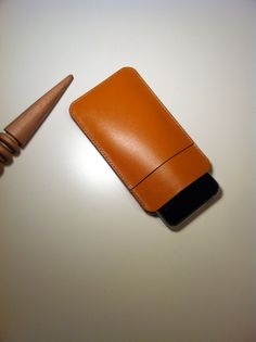 Handmade leather phone case. MS.