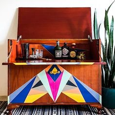 We are swooining over this bold and beautiful take on the classic MCM drinks cabinet by Alejandra from The Little Key. #furnitureflip #furniturerestoration #mycolouredhome #brightcolours #modernhome #vintagefurniture #birdonthehilldesigns #thevintagebirdfurniturepaint #paintedfurniture #moderncentury #homeinspiration #diy #diyproject #homedecor #interiors Vintage Furniture, Painted Furniture, Drinks Cabinet, Mineral Paint, Vintage Birds, Milk Paint, Furniture Restoration, Metallic Paint, Diy Projects