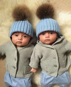 Miracle twins close to death defy odds after undergoing complicated key hole surgery in the womb Cute Little Baby, Baby Kind, Little Babies, Twin Baby Girls, Twin Babies, Baby Boy, Baby Pictures, Baby Photos, Cute Babies Photography