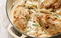 Υλικά 800 γρ. φιλέτο στήθος ή πόδια κοτόπουλου (χωρίς κόκκαλο) 1/2 φλ. τσαγιού αλεύρι για όλες τις χρήσεις 1 μεγάλο ξερό κρεμμύδι κομμένο σε φέτες 1 ποτηράκι κρασιού λευκό ξηρό κρασί 1½ φλ. τσαγιού ζεστό νερό ή ζωμό κότας 200 γρ. (1 κεσεδάκι) γιαούρτι στραγγιστό 1 κοφτή κ.σ. κάρυ σε σκόνη 1 κ.σ. μουστάρδα λίγα [...] Tarragon Chicken, Boneless Chicken Breast, Baked Chicken, Healthy Recipes, Healthy Food, Dishes, Meat, Cooking, Ethnic Recipes