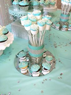 Frozen birthday party theme with marshmallow pops.