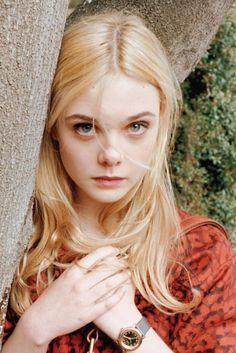 Elle Fanning by juergen teller for marc by marc jacobs fall 2011 campaign Dakota Et Elle Fanning, Ellie Fanning, Fanning Sisters, Juergen Teller, Pretty People, Beautiful People, Beautiful Women, Beautiful Things, Julia Gomes