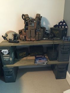 Most Wonderful Army Bedroom Design Ideas - Decor Home Boys Army Bedroom, Military Bedroom, Army Room, Boy Bedrooms, Army Decor, Military Decorations, Gun Rooms, Ultimate Man Cave, Ammo Cans