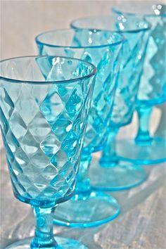 Aigue-marine dépression verre - diamant matelassé motif-eau verres-aqua verre-teal verrerie aqua verre-rare