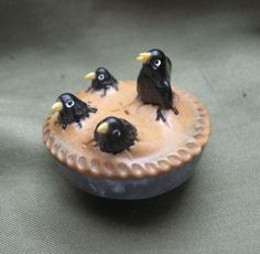 ButtonArtMuseum.com - 4 Blackbirds Baked in A Pie Button Bakelite Vegetable Ivory Jet Black Bird Raven