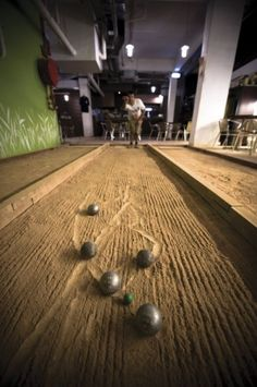 Read Reviews of Hong Kong Restaurants – Your Essential Guide to Eating at Hong Kong   Les Boules - Cafe Petanque
