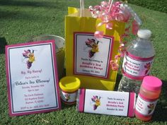 Minnie mouse party ideas are popular theme for birthday especially for little girls. When organizing such party, you will have to consider the theme color, decorations, tableware, food and also the games and activities for the party 5th Birthday Party Ideas, Girl Birthday Themes, Kids Party Themes, First Birthday Parties, First Birthdays, 2nd Birthday, Minnie Mouse Birthday Theme, Mickey Mouse Clubhouse Party, Mickey Party