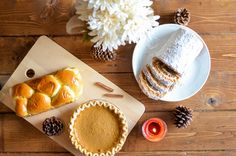 How to Make Pumpkin Cakes Thanksgiving Side Dishes, Thanksgiving Desserts, Family Thanksgiving, Cookie Dough Desserts, Home Decor Baskets, Food Baskets, Shops, Budget, Mini Pumpkins