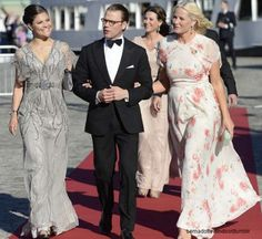 ictoria, Daniel and Mette marit arrive at the pre wedding dinner