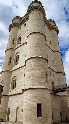 Château de Vincennes, Avenue de Paris, 94300 Vincennes, Val-de-Marne, France - www.castlesandmanorhouses.com