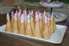 Use these first birthday ideas to inspire your party! #unicorn #peartreegreetings #birthdayparty