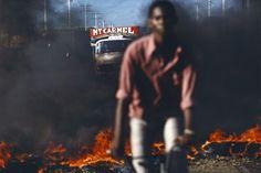 Alex Webb . Port au Prince, Haiti, 1987