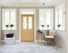 40 Fantastisk och ren vardagsdesign med vitt marmorgolv - home/hem Entryway Bench, Showroom, Tile Floor, Marble, Flooring, Plan, Furniture, Home Decor, Entry Bench