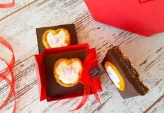 Kalpli Çikolata Bar Cheesecake Brownies, Truffles, Candle Holders, Candles, Desserts, Aspirin, Bar, Food, Herbs