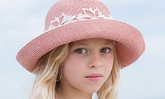 Athena New York girl | COLLECTION | Sunny Lace Girl 02