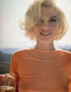 marilyn monroe rare phots | marilyn monroe orange shirt