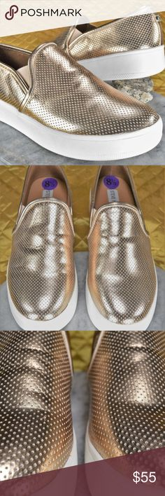 "Steve Madden Gracy Rose Gold Sneakers 8.5 NEW These are new without box Steve Madden sneakers. It was a bit hard to catch in all the photos, but the gold has a rose tint hence ""Gold Rose."" Just gorgeous! Please see all the photos!  *If you appreciate old school quality - you're in the right place. We ship fast, usually within 1 business day! Thanks for visiting my closet! Steve Madden Shoes Sneakers"